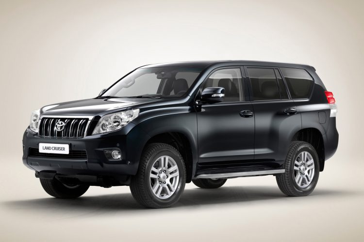 toyota-land-cruiser-prado-03