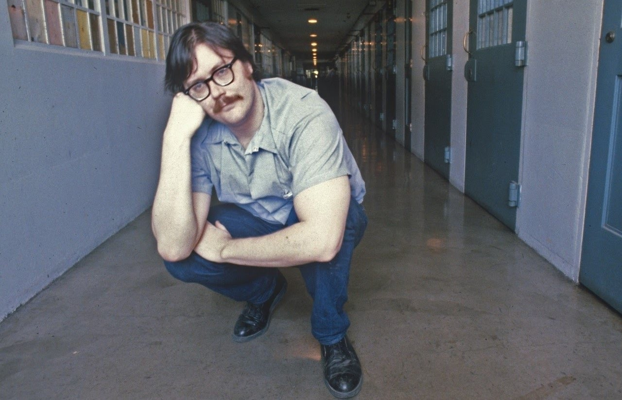edmund emil kemper iii a killer Edmund emil kemper iii achieved notoriety as a serial killer when he took the lives of 10 people between august 27, 1964, and april 21, 1973 his victims included his adoptive grandparents, six co-eds from the university of santa cruz, his.