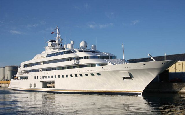 Яхта Lady Moura