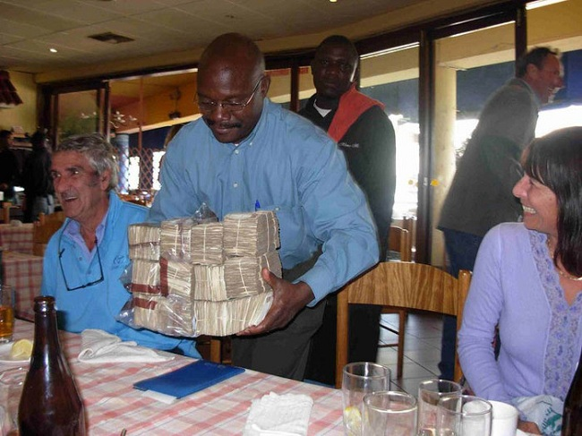 Доллары Зимбабве