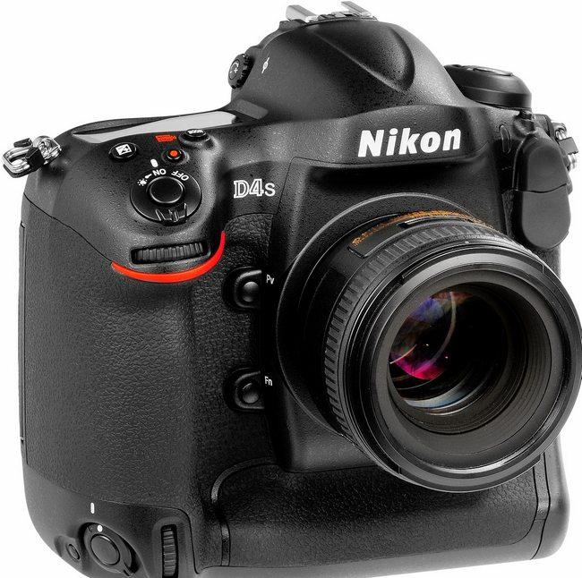 Зеркальный фотоаппарат Nikon D4s