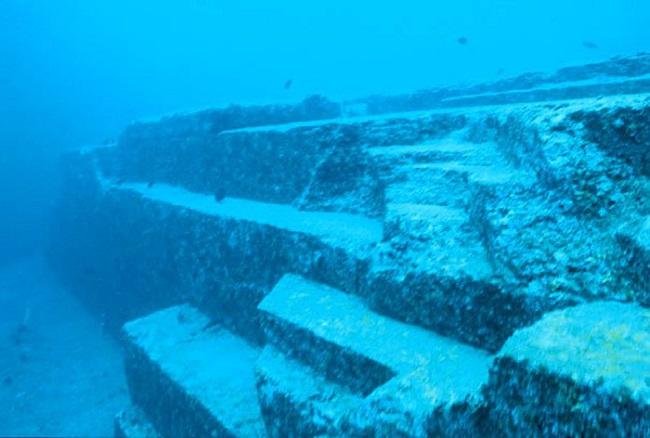 Подводный монумент Йонагуни