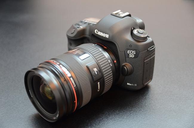 Зеркальный фотоаппарат Canon EOS 5DMarkIII