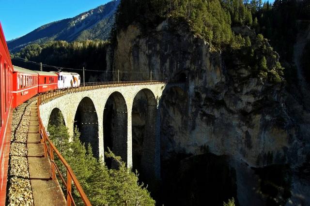 Швейцарский тоннель Лёчберг