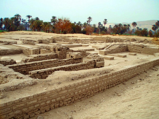 Руины Ахетатона