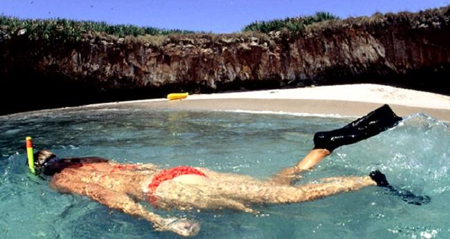 Скрытый пляж на Пуэрто-Вальярта