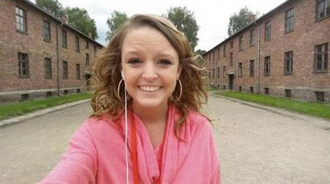 На фоне Освенцима