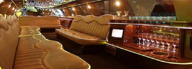 Интерьер салона самого длинного в мире лимузина