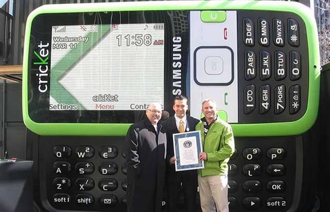 Samsung Messenger внесен в Книгу рекордов как самый большой телефон