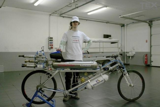 Велосипед-ракета от Франсуа Жисси