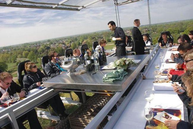 Ресторан Dinner In The Sky в Брюсселе