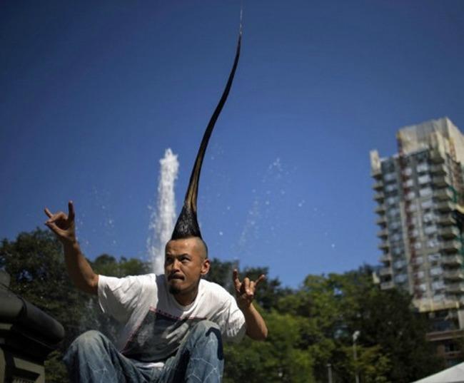 Самый длинный ирокез у японца Казухиро Ватанабе