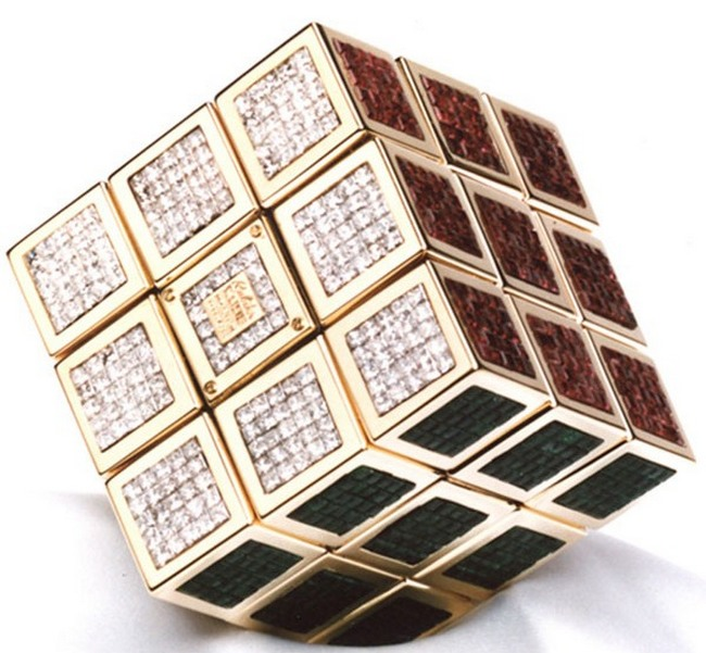 Кубик Рубика с драгоценными камнями