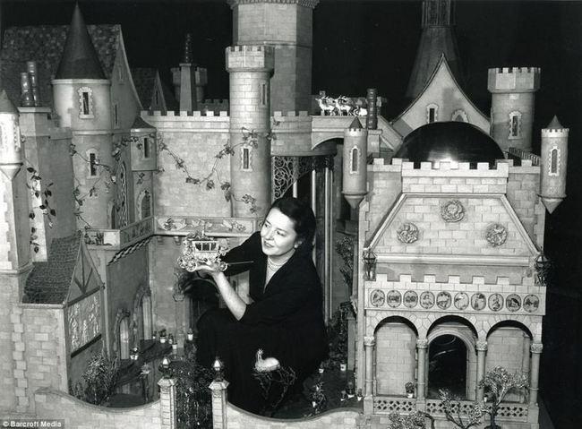 Кукольный замок Колин Мур