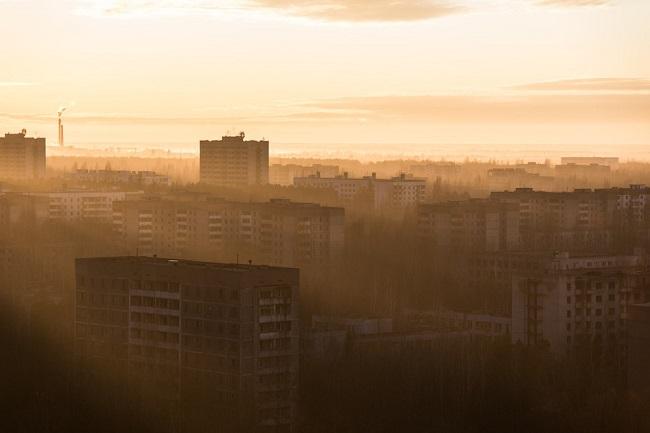 Город-призрак на рассвете