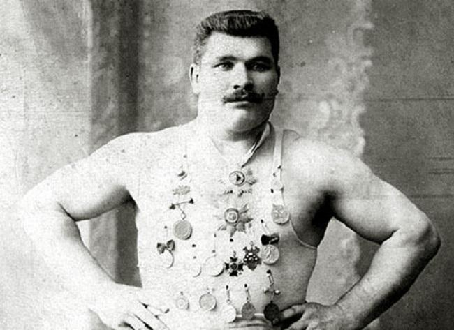 Григорий Русаков – сильнейший борец