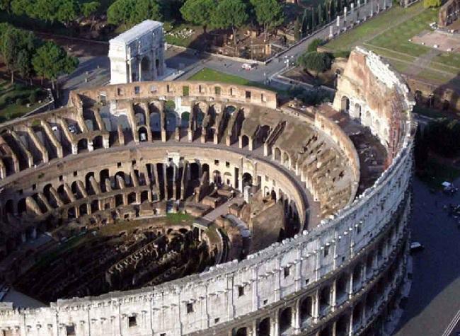 Незаконный снимок в Колизее Рима