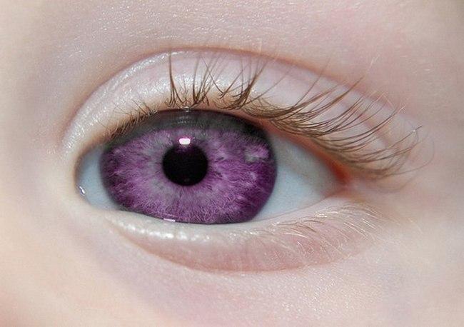 Фиолетовые глаза