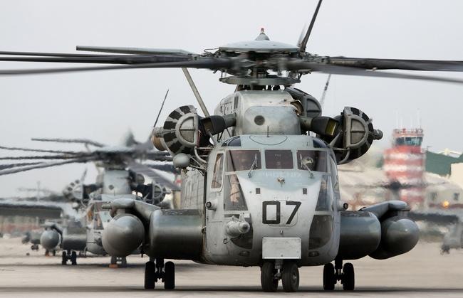 Вертолет Sikorski CH-53E
