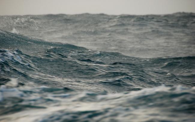 Не редкость в проливе Дрейка грозные штормы и сильные ветра