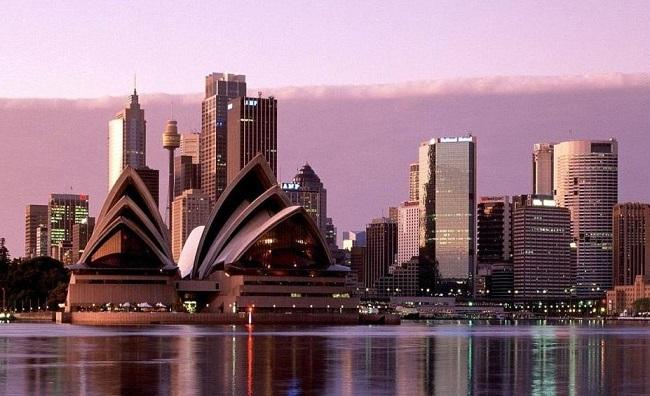 Австралия – около 45 долларов ежемесячно