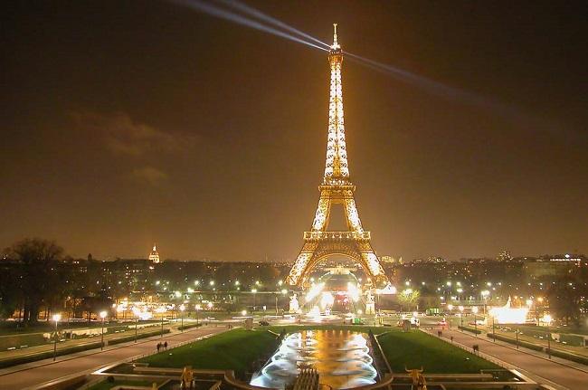 Франция – около 44 долларов ежемесячно