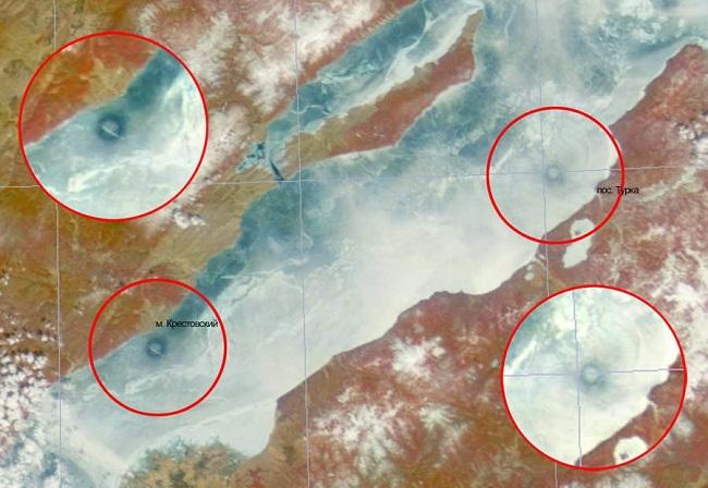 Непонятные кольца на ледяном покрове