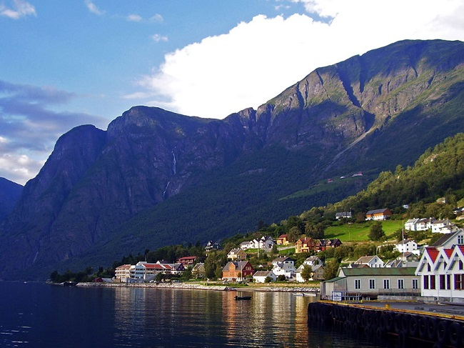 Норвегия – около 43 долларов ежемесячно