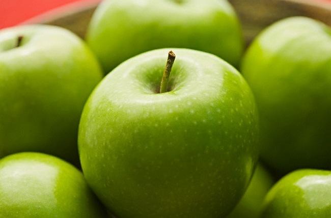 Фрукты из-за содержания фруктозы лучше употреблять в первую половину дня