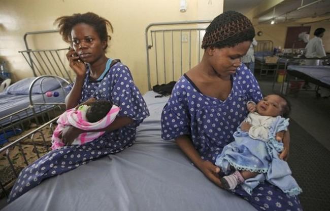 Мум-зи из Нигерии стала бабушкой в 17 лет