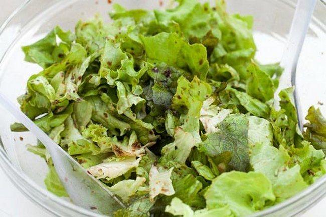 Диетическое питание подразумевает употребление в пищу зелени