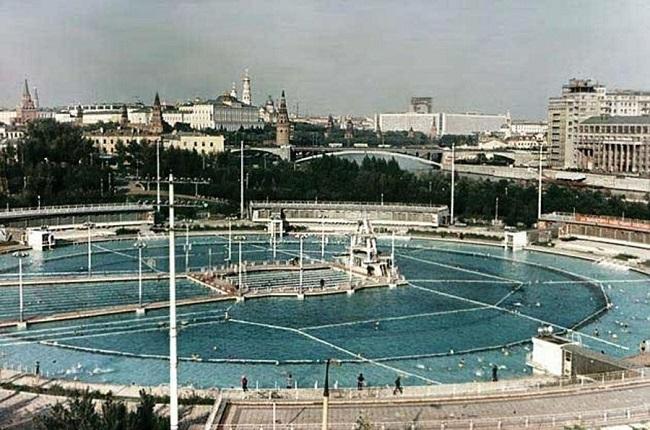 Бассейн в Храме Христа Спасителя