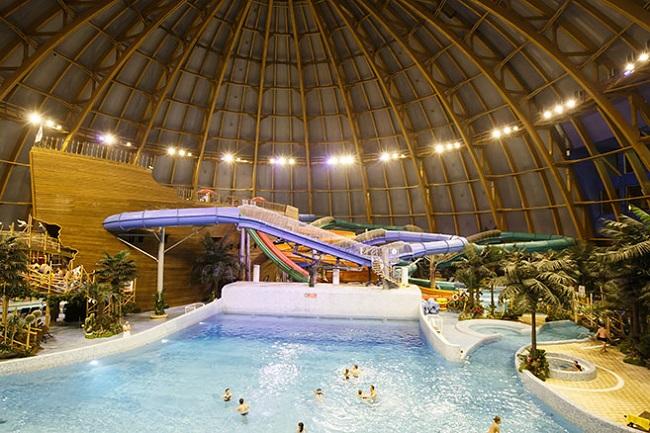 Самый большой бассейн в России