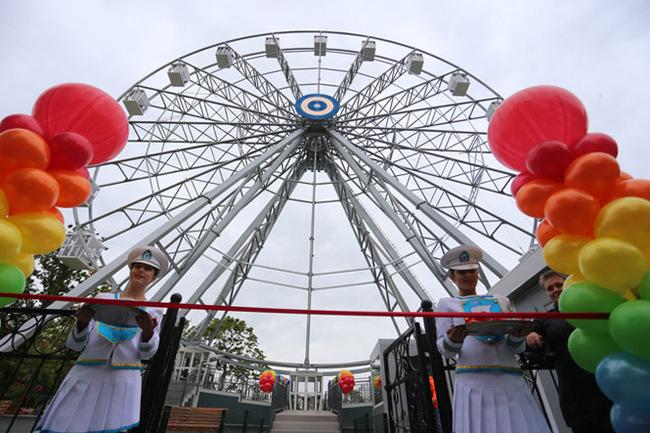 Колесо обозрения в Калининграде высотой 45 метров