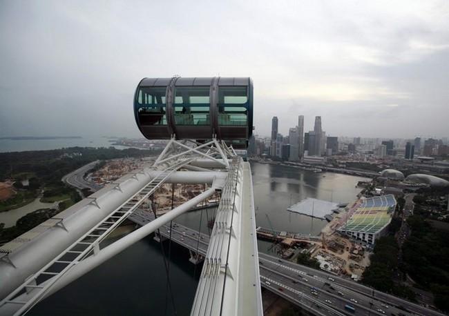 Парящий Сингапур ввысь простирается на 165 метров