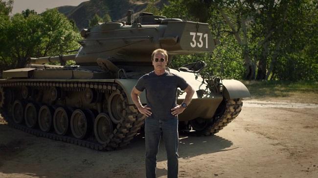 Арнольд Шварценеггер и боевой танк