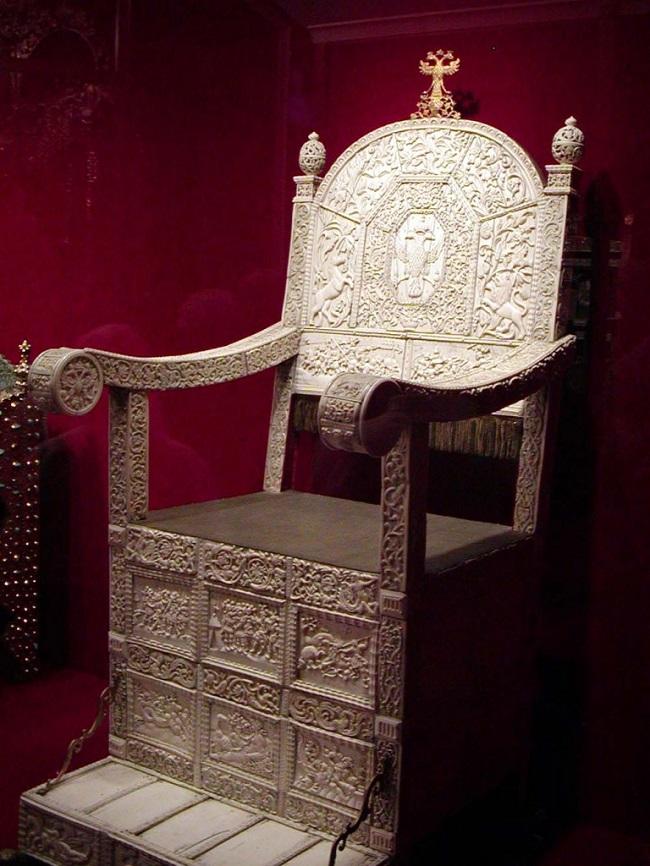 Древнейшие из стульев