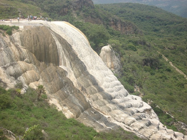 Каменный водопад Иерве эль Агуа (Мексика)