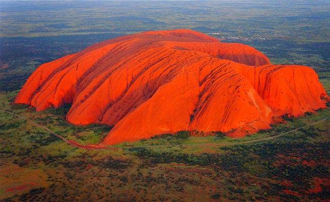 Скала Улуру (Австралия)