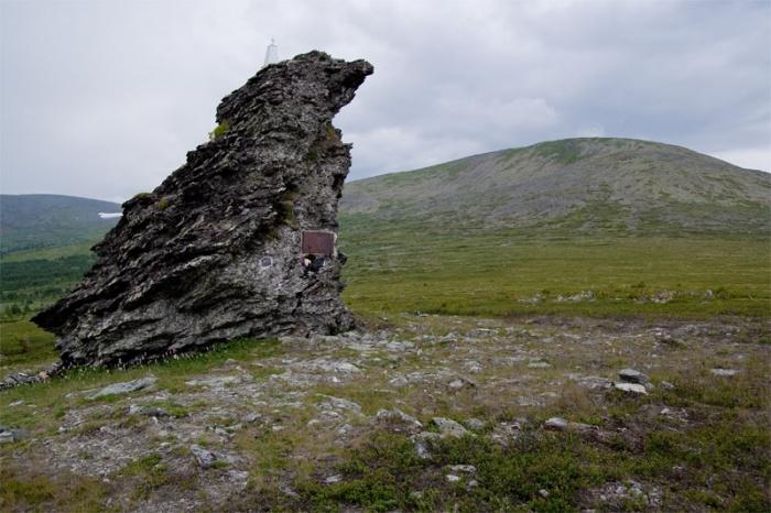Gora-mertvetsov-2