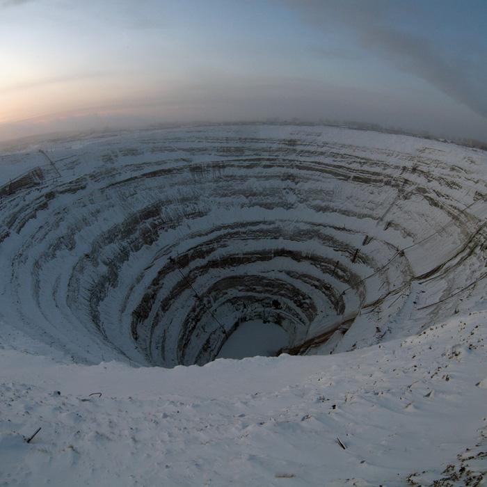 Кимберлитовая трубка «Мир» в Якутии