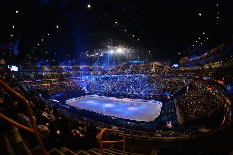 Samaya-vmestitelnaya-hokkeynaya-arena