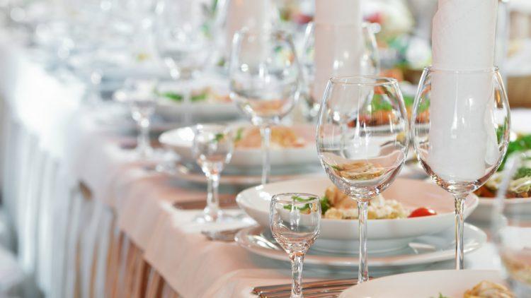 Как праздновать хрустальную свадьбу