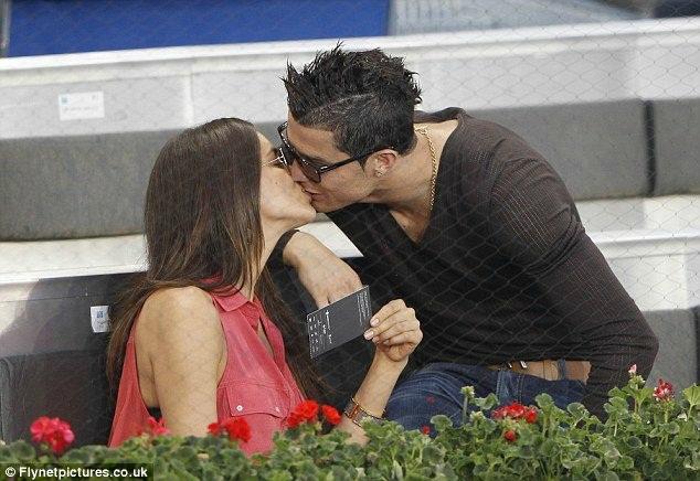 Ирина и Роналду планировали сыграть свадьбу после Чемпионата Европы-2012