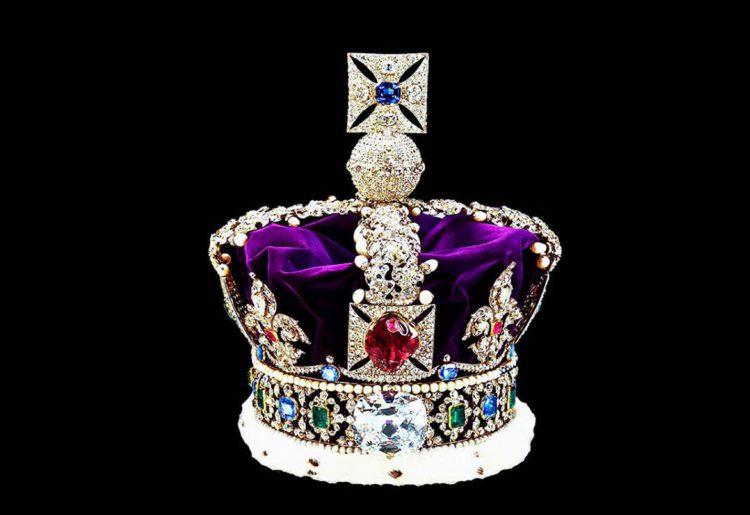 Куллинан на короне королевы