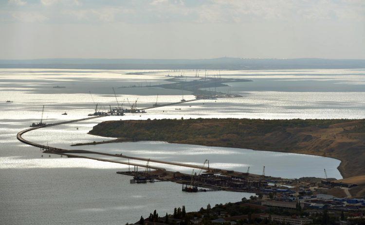 Мост через Керчинский пролив