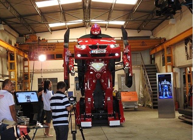 turetskiy-robot-transformer-pokoril-poklonnikov-robototehniki-2