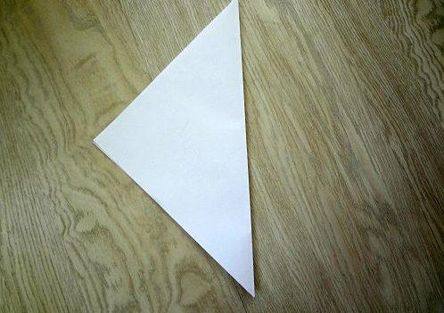 Сгибаем лист по диагонали