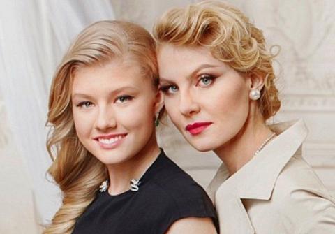 Литвинова и дочь