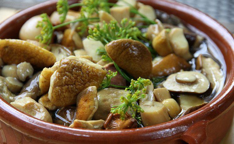 Грибы в тарелке